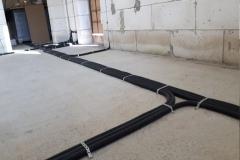 электропроводка по полу в стяжке